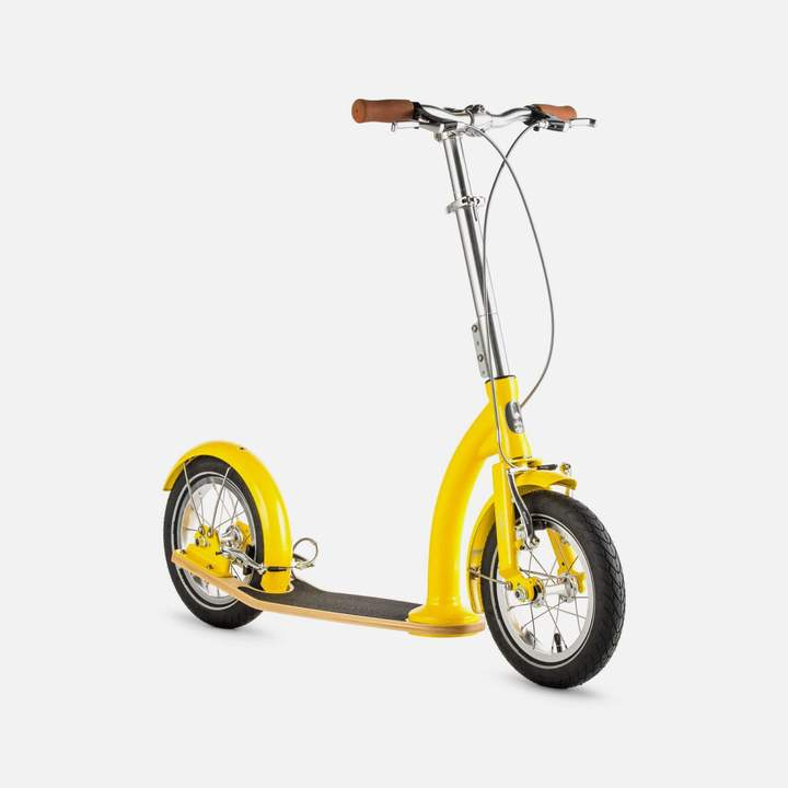 SwiftyIXI Scooter in Yellow